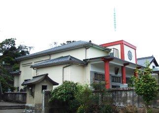 屋根の新設と外壁工事施工後